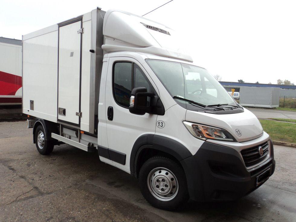 Pojazdy dostawcze chłodnie lub mroźnie kontenery typu Fiat Ducato lub Iveco Daily